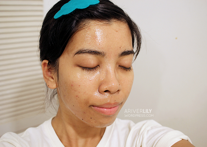 Skinfood Black Sugar Strawberry Mask Wash-Off review - swatch