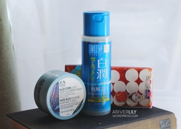 The Body Shop Blue Corn 3-in-1 Deep Cleansing Mask, Hada Labo Shirojyun Arbutin Lotion, Daiso sheet mask capsule