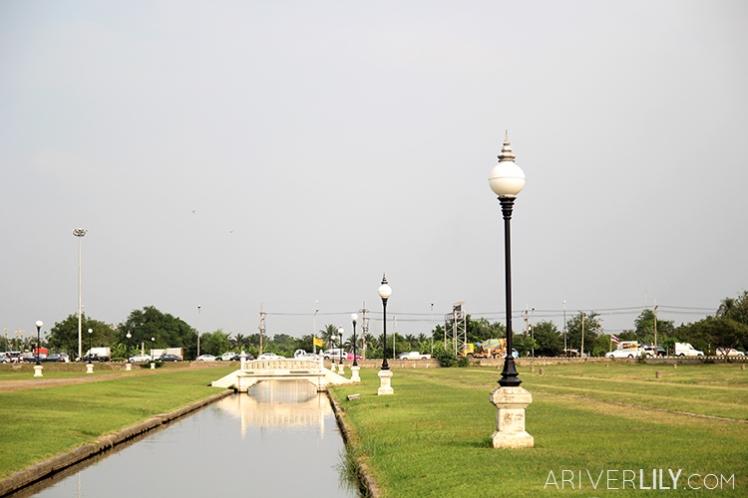 Travel Diary - Thailand Nakhon Pathom Buddhamonthon Park Phutthamonthon - main road bridge stream