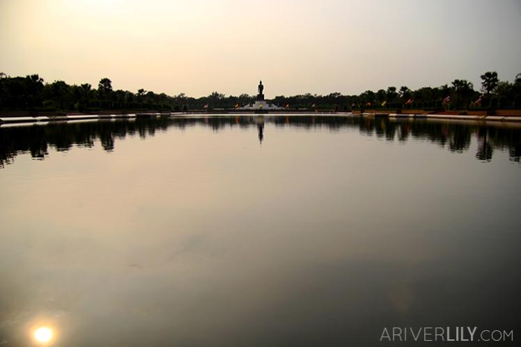 Travel Diary - Thailand Nakhon Pathom Buddhamonthon Park Phutthamonthon - Buddha statue reflecting pool
