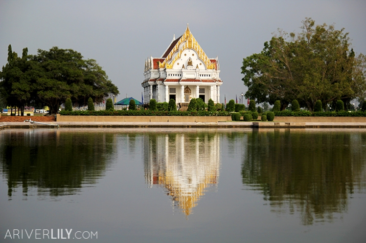 Travel Diary - Thailand Nakhon Pathom Buddhamonthon Park Phutthamonthon - Office of National Buddhism and reflecting pool