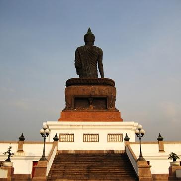 Travel Diary - Thailand Nakhon Pathom Buddhamonthon Park Phutthamonthon Buddha statue back stairs
