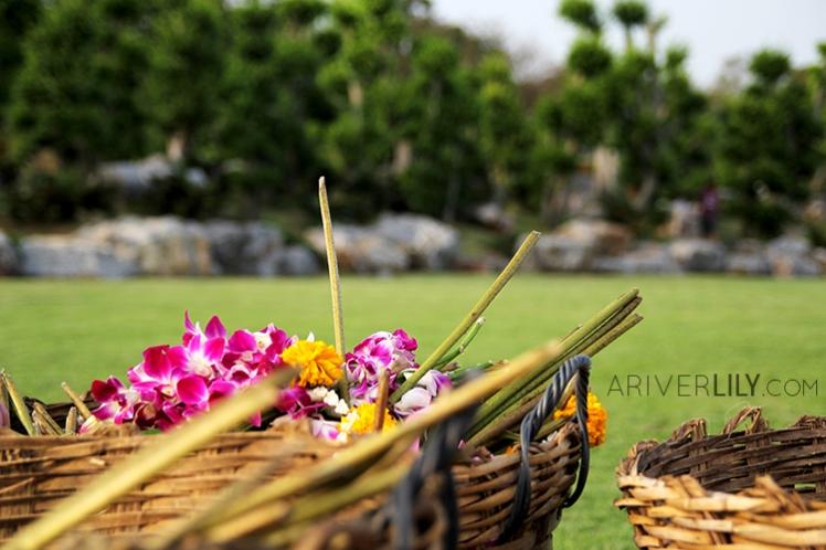 Travel Diary - Thailand Nakhon Pathom Buddhamonthon Park Phutthamonthon - basket flowers offerings
