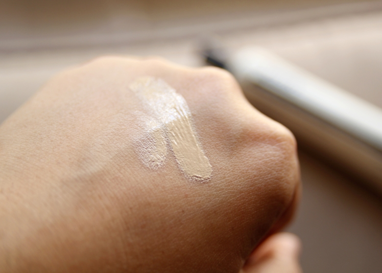 Dear Klairs Illuminating Supple Blemish BB Cream review - swatch